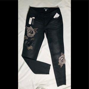 BOOM BOOM Skinny Jeans NWT! Sz 5